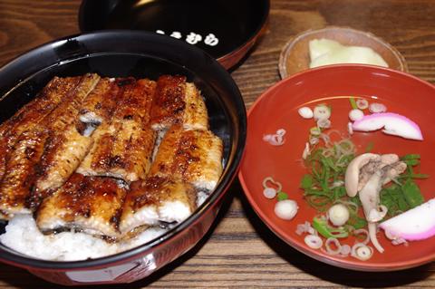 うなぎのうえむらのうな丼(1500円肝吸い付)