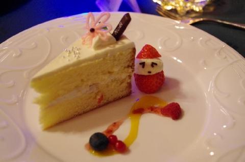 クリスマスは堂々とケーキが食べれます
