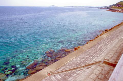 「阿久根道の駅」から見た海