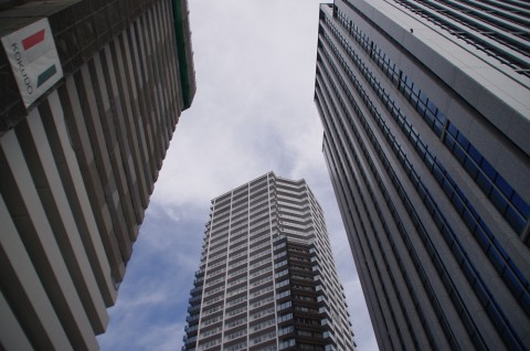 高いビルを見ると都会だなぁと思う。