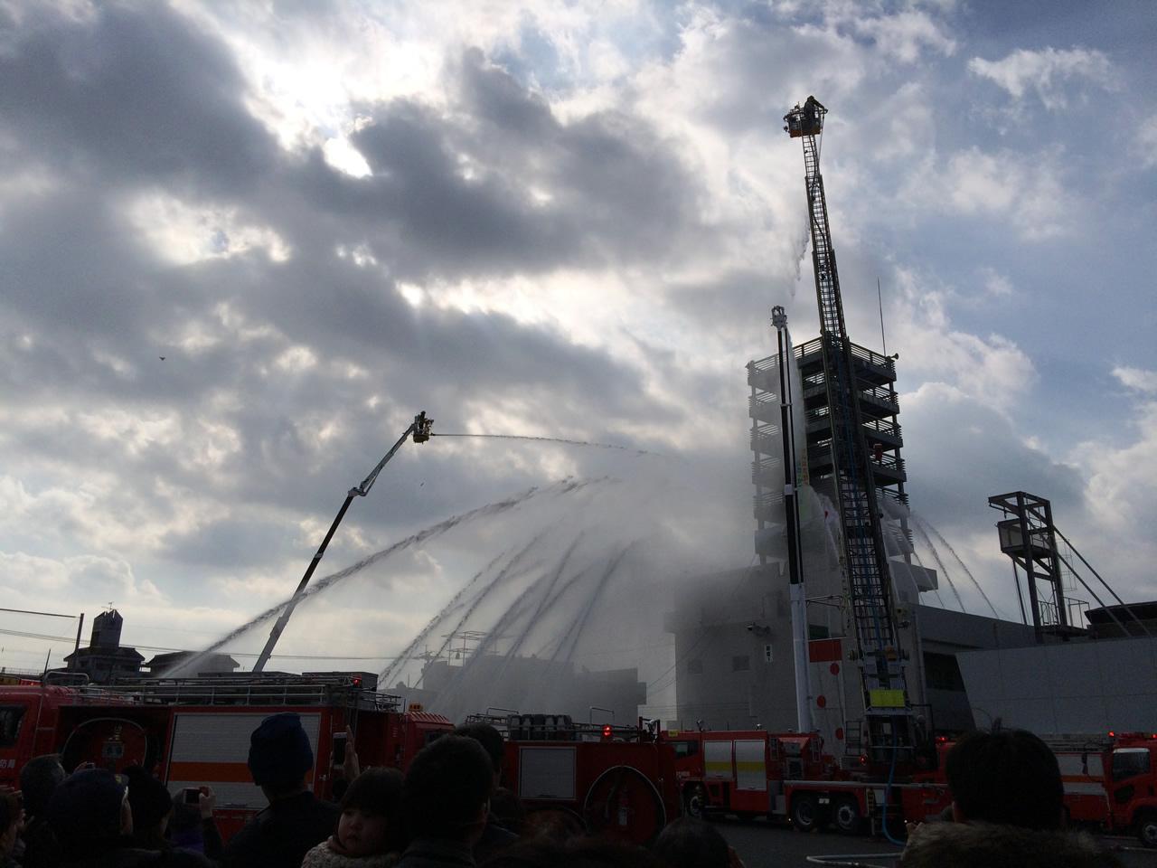 平成27年鹿児島市消防出初式一斉放水